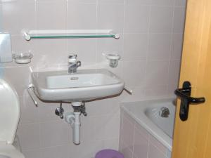 Apartment Mont Fort 43, Apartmány  Siviez - big - 8