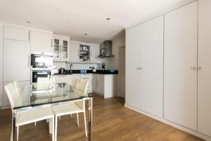onefinestay - South Kensington private homes II, Apartmány  Londýn - big - 97