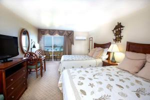 Queen Room with Water View