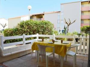 Rental Apartment Capounades - Narbonne Plage, Apartments  Narbonne-Plage - big - 19