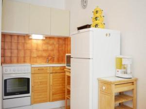 Rental Apartment Capounades - Narbonne Plage, Apartments  Narbonne-Plage - big - 14