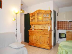 Rental Apartment Capounades - Narbonne Plage, Apartments  Narbonne-Plage - big - 17