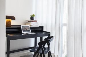One Bedroom Apartment III - 11, Ronda Universitat Street