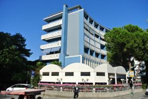 Condominio SPORTING - AbcAlberghi.com