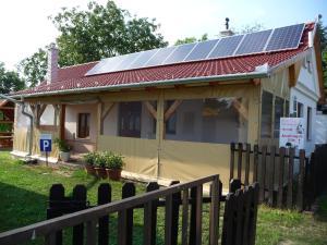 Förhénc Guesthouses I-II-III