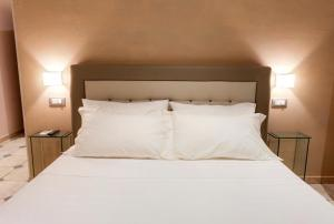 La Suite del Faro, Bed and breakfasts  Scalea - big - 27