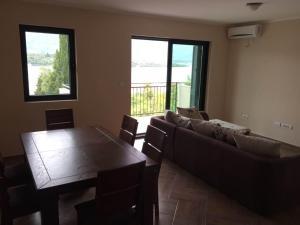 Luxury apartment Djurasevichi, Apartmanok  Tivat - big - 2