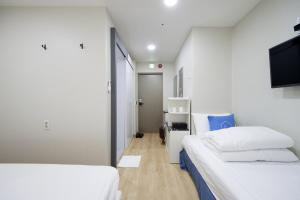 K-guesthouse Myeongdong 3, Guest houses  Seoul - big - 40