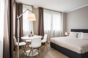 MyPlace Largo Europa Apartments - AbcAlberghi.com
