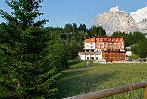 Hotel Meisules - AbcAlberghi.com