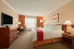 Standard King Room with Bath