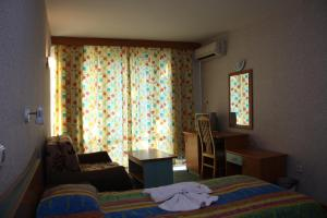 Hotel Kristel Park - All Inclusive Light, Отели  Кранево - big - 17
