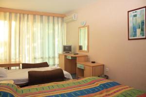 Hotel Kristel Park - All Inclusive Light, Отели  Кранево - big - 13