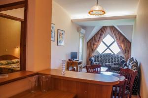 Hotel Kristel Park - All Inclusive Light, Отели  Кранево - big - 6
