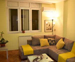 Regina's Central Street Apartment, Apartmány  Skopje - big - 29