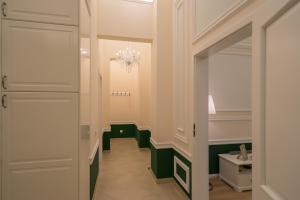 Revelton Suites Karlovy Vary, Ferienwohnungen  Karlsbad - big - 8