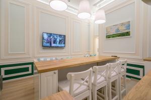Revelton Suites Karlovy Vary, Ferienwohnungen  Karlsbad - big - 14