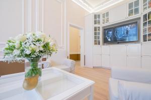 Revelton Suites Karlovy Vary, Ferienwohnungen  Karlsbad - big - 25