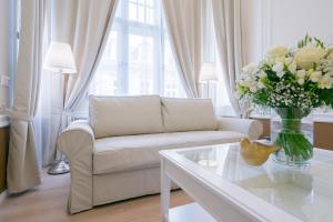 Revelton Suites Karlovy Vary, Ferienwohnungen  Karlsbad - big - 29