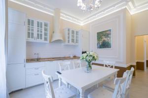 Revelton Suites Karlovy Vary, Ferienwohnungen  Karlsbad - big - 30