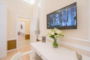 Revelton Suites Karlovy Vary, Ferienwohnungen  Karlsbad - big - 37
