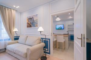 Revelton Suites Karlovy Vary, Ferienwohnungen  Karlsbad - big - 40