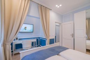Revelton Suites Karlovy Vary, Ferienwohnungen  Karlsbad - big - 41
