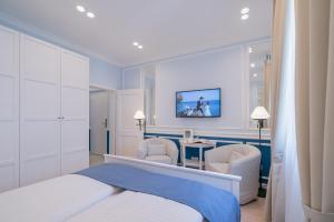 Revelton Suites Karlovy Vary, Ferienwohnungen  Karlsbad - big - 48
