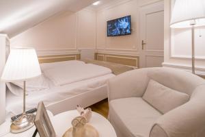 Revelton Suites Karlovy Vary, Ferienwohnungen  Karlsbad - big - 21