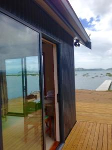 Oystercatcher Bay Boathouse, Шале  Coromandel Town - big - 20