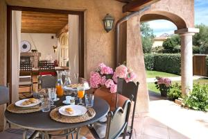 Villa Hortensia, Bed & Breakfast  Arzachena - big - 22