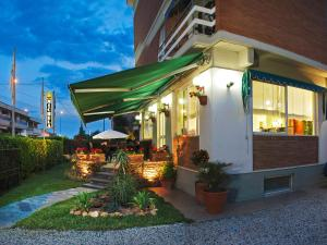 Hotel Michela, Hotely  Marina di Massa - big - 56