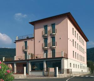International Hotel - AbcAlberghi.com