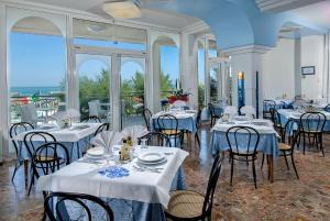 Strand Hotel, Hotels  Gabicce Mare - big - 180