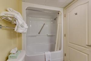 Carolinian Beach Resort, Hotely  Myrtle Beach - big - 48