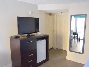 Carolinian Beach Resort, Hotely  Myrtle Beach - big - 57