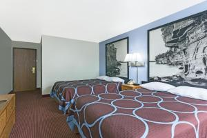 Queen Room with Two Queen Beds - Pet-friendly