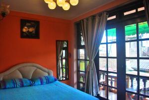 Double Room with Balcony Share bath room