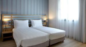 Athens Tiare Hotel(Atenas)