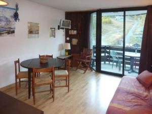 Rental Apartment Les Carlines, Apartments  Les Orres - big - 4
