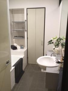 CBD Little Paris - StayCentral, Apartmány  Melbourne - big - 4
