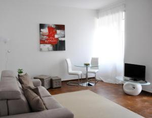 Rosso Magenta - AbcAlberghi.com