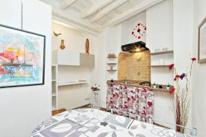 Sweet Life studio Rome, Apartments  Rome - big - 19