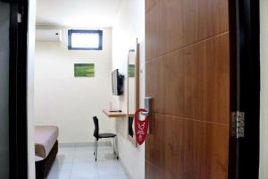 ZEN Rooms Bontolangkasa, Hotely  Makassar - big - 11