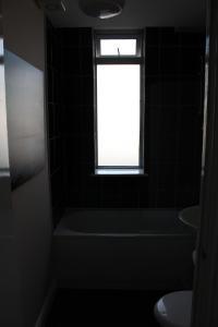 Castleton Boulevard Apartments, Apartments  Skegness - big - 43