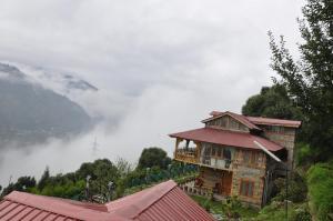 Himalyan Kothi Kais