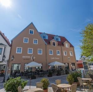 Hotel im Ried, Hotely  Donauwörth - big - 1