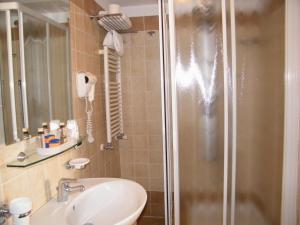 Alle Tamerici Hotel, Hotely  Ladispoli - big - 5