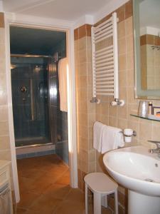 Alle Tamerici Hotel, Hotely  Ladispoli - big - 9