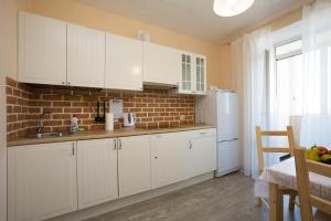 Apartments Etazhi na Kosmonavtov, Appartamenti  Ekaterinburg - big - 6